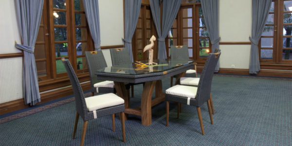 Beraldo Dining Set